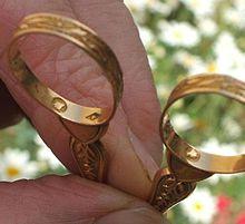 bracelet or blanc homme