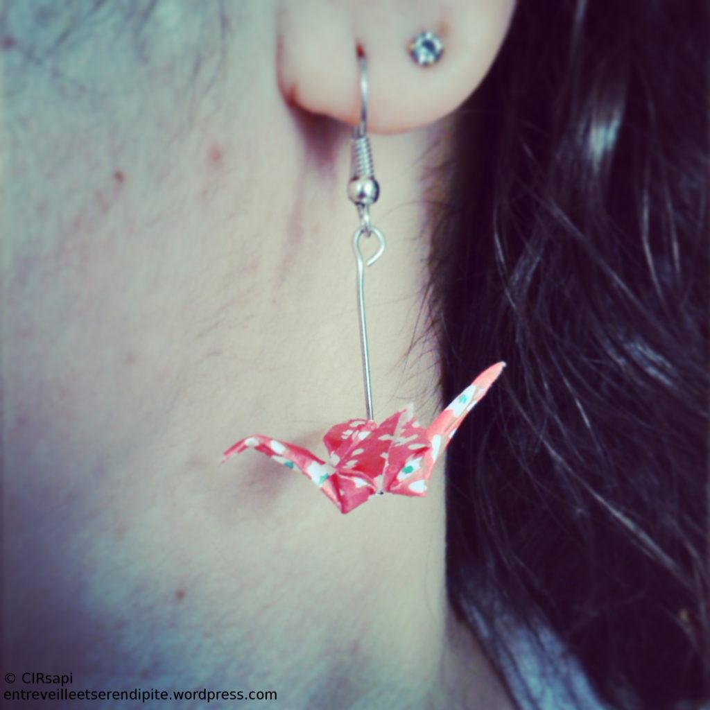 boucles d'oreille rouge