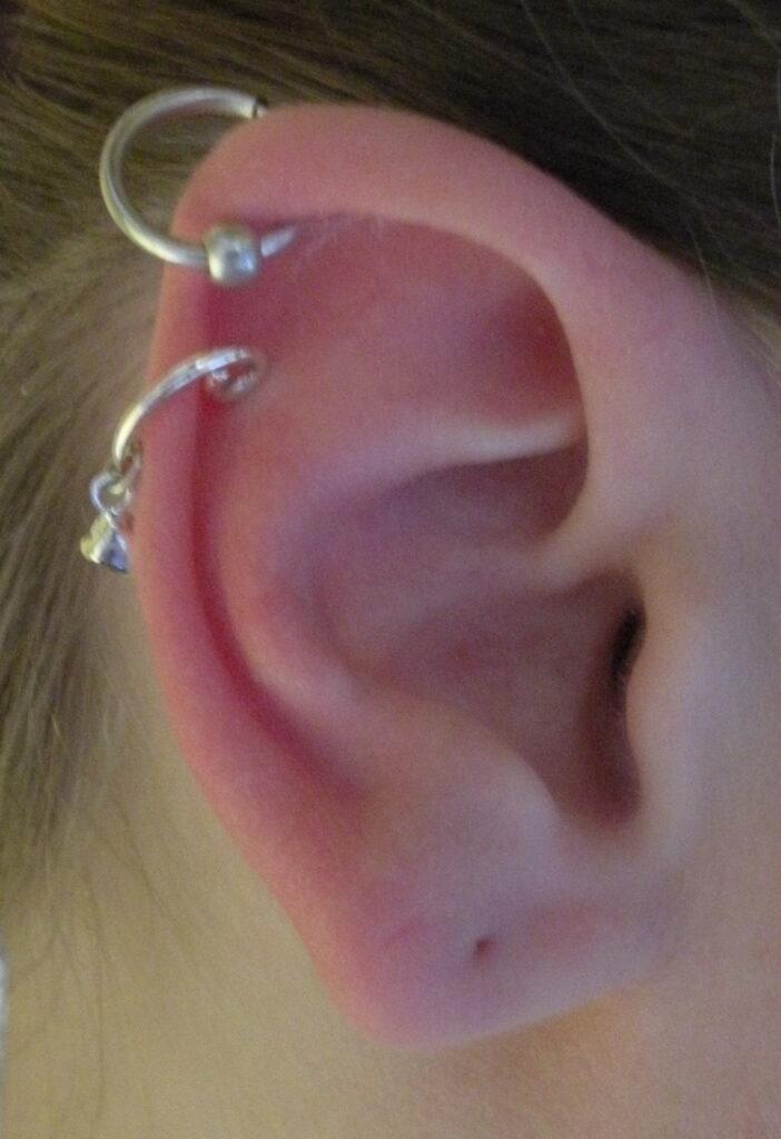 boucle d'oreille non percée